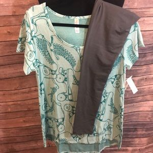 Lularoe M skate classic tee with gray OS leggings